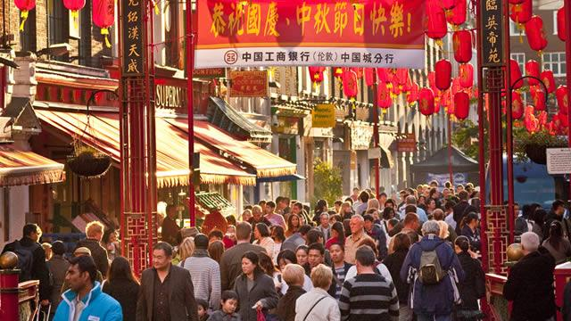 Hundreds of thousands of people will flock to Chinatown in London from 31 January to 2 February. Photo VisitLondon.com