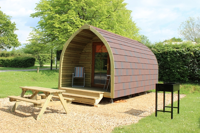 Go glamping in the New Forest : Camping pods 1 SandyBalls from www.caravansitefinder.co.uk size 640 x 427 jpeg 313kB